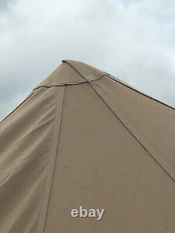 Cabanon 6 Berth Canvas Tent Avec La Ville Excellent État