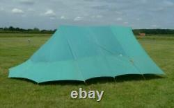 Grand Vintage Green Canvas Ridge Tent 3m X 2m, Boutique De Scouts Au Royaume-uni, Avec Mouche Étendue