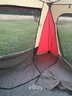 Grande Maison De Vacances 4 Pièces Avec Tente De Camping Jeep 15x15 Usagée Avec Sac À Roulettes