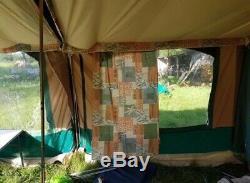 Remorque Tente-naissance De Cabanon Atlantis 6. En Bon État Avec Grande Surface De Store